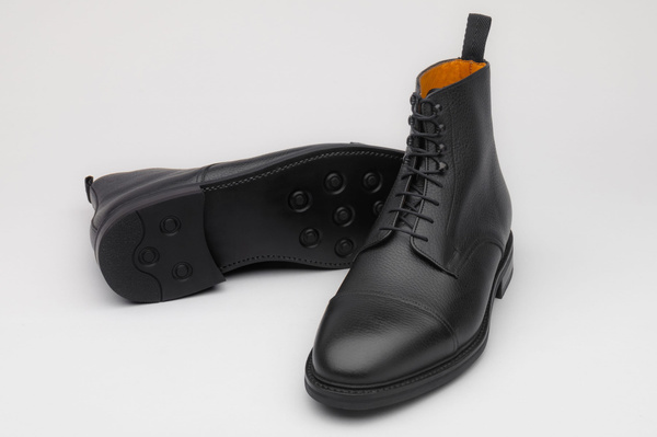 The Jumper Boot - Black Grain